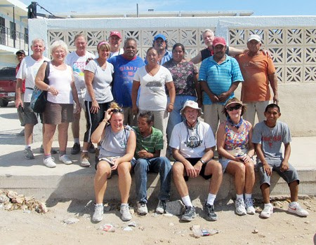 A mission work group in Reyonsa