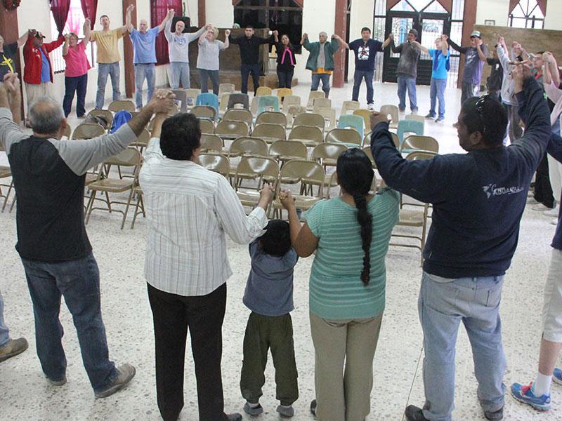 Singing unidos unidos in Reynosa